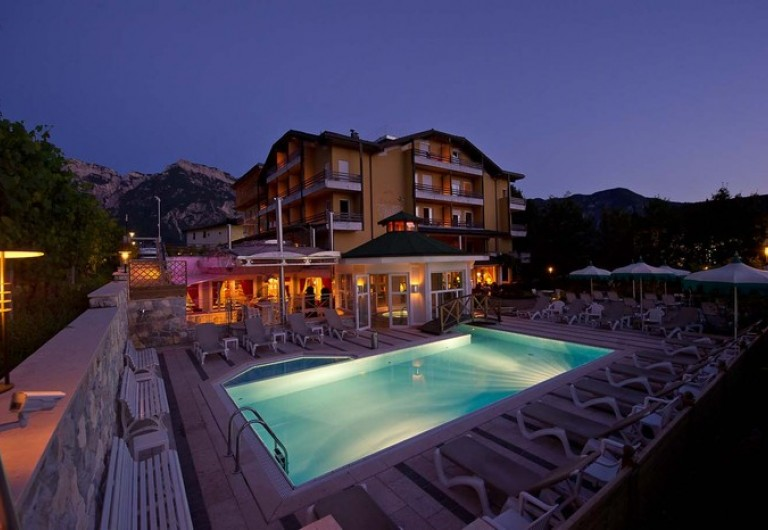 Sport&Wellness Hotel Cristallo - In the upper side of Levico